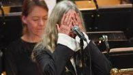 Pomenljivi premolk Patti Smith na Nobelovi proslavi 2016